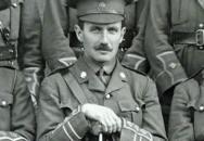Zajatého britského vojáka pustili Němci na skok domů