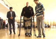 Vojenský systém eksoskeleton - druhá šance pro nechodící