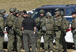 "FBI - Hostage Rescue Team - ""Servare Vitas"""