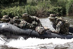 1st Recon Bn USMC 2001-2005 reenacted aneb ukázka toho, jak se dá dělat airsoft jinak