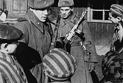 Osvobození koncentračního tábora v Osvětimi ...