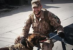 V Afghánistánu zažil útok sebevraha. Místní tam přemýšlí jinak, říká voják z Přáslavic