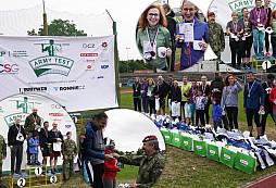 Medailisté Buddy ARMY TESTu dostali minci NGŠ AČR a byli zavaleni dárky od partnerů