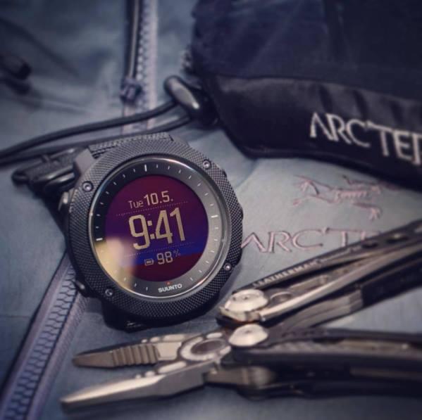 67f6ddcc9e2 Vojenské hodinky SUUNTO Traverse Alpha - volba profesionálů