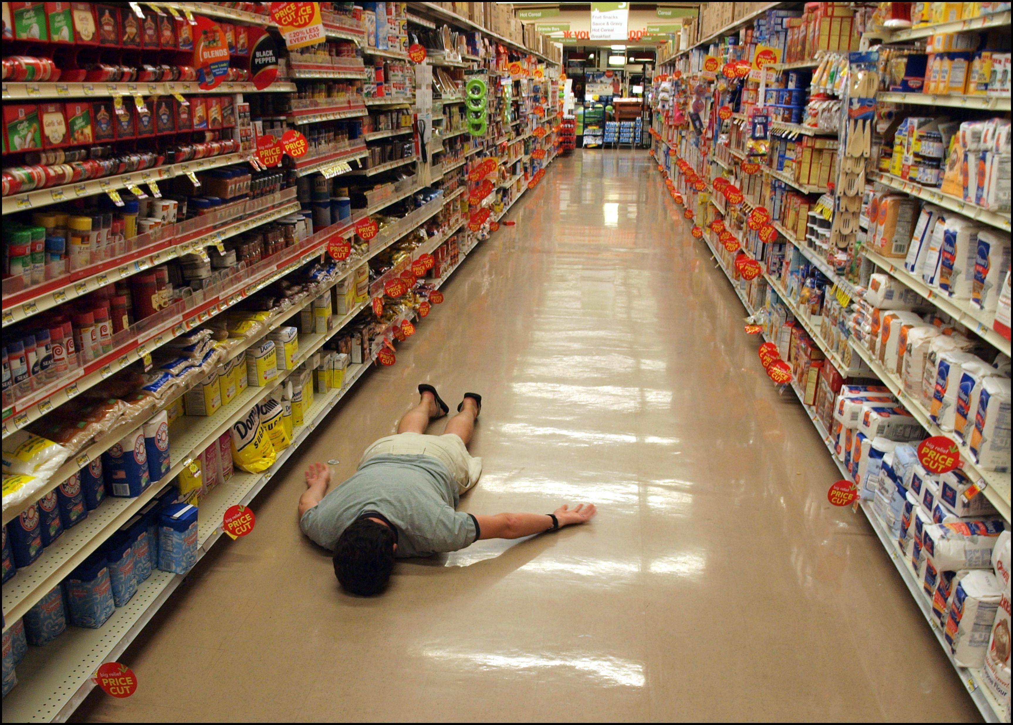 Как поступать, если тебя задержали в супермаркете?