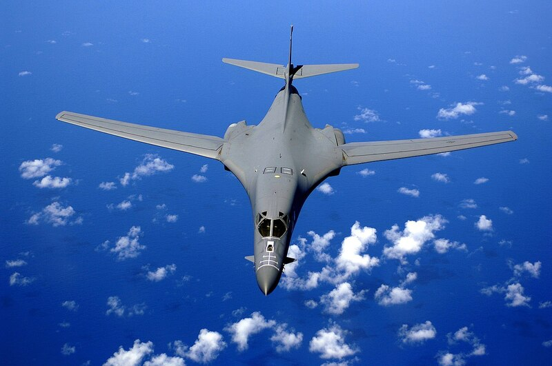 1280px-B-1B_over_the_pacific_ocean