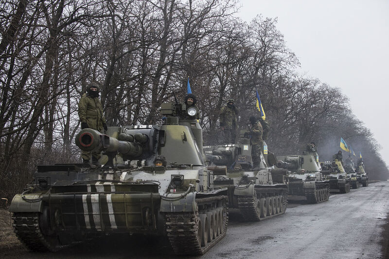 1280px-OSCE_SMM_monitoring_the_movement_of_heavy_weaponry_in_eastern_Ukraine_(16544235410)