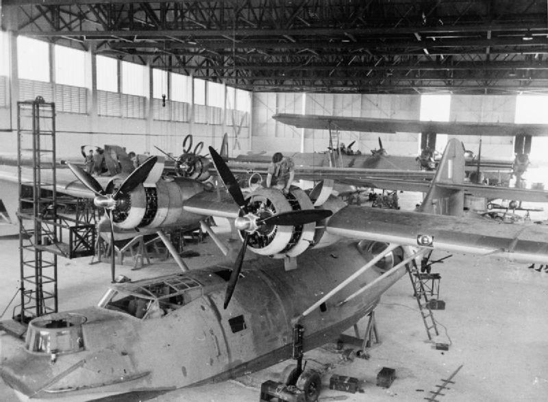 PBYs_205_Sqn_RAF_in_hangar_Singapore_1941