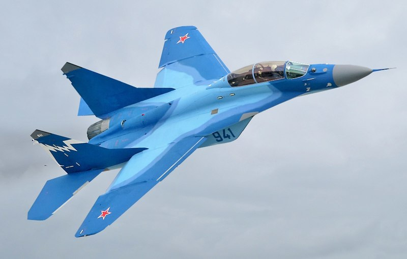 1920px-MiG-29K_at_MAKS-2007_airshow_(altered)