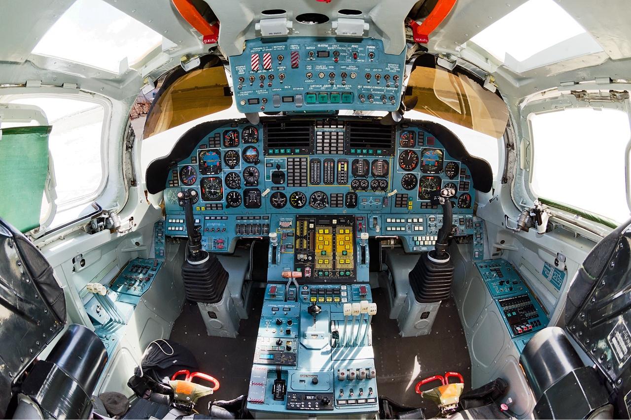 Největší a nejtěžší bombardér v dějinách lidstva Tupolev ... B1 Lancer Vs Tu 160