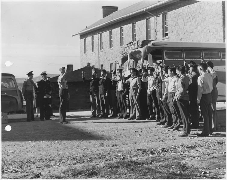 First_29_Navajo_U.S._Marine_Corps_code-talker_recruits_being_sworn_in_at_Fort_Wingate,_NM._-_NARA_-_295175